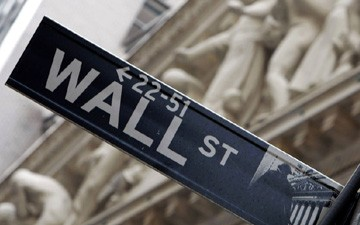 Dow Ends on High Note