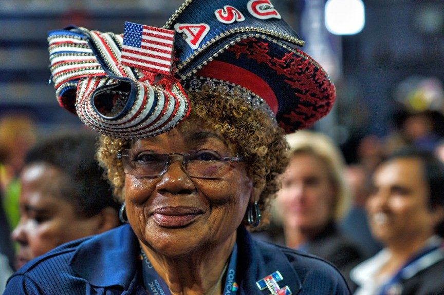 A woman sports a stylish chapeau while attending the convention. Photo: Geoff Black/EBONY