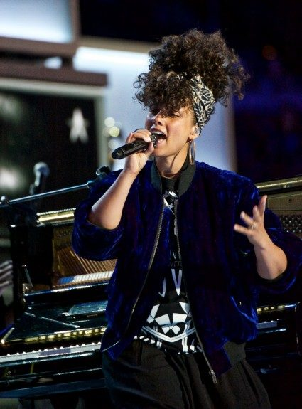 """Singer Alicia Keys closes the DNC second night with her performance of """"Superwoman."""" (Photo: Geoffrey Black/EBONY)"""