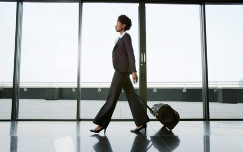 [URBAN ORGANIC] 6 Ways to Stay Healthy While Traveling