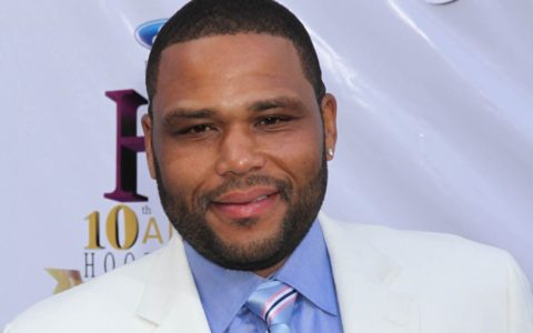 Thanksgiving Dinner with Anthony Anderson
