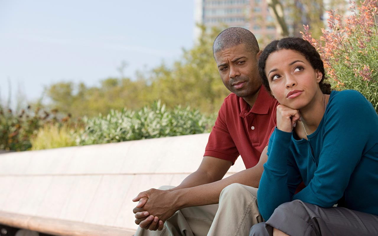 How to Reach a Partner Who's Emotionally Checked Out • EBONY