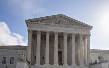 Supreme Court Blocks Texas From Shutting Down Abortion Clinics