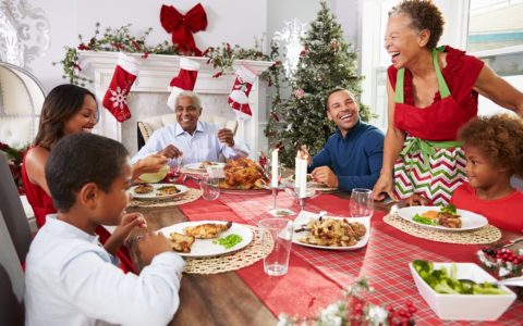 Holiday Love: 5 Dos and Don'ts of Meeting the Family