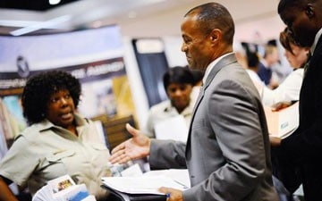 US gains 157,000 jobs, jobless rate rises to 7.9 percent