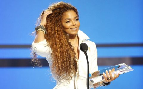 Janet Charts an Unbreakable Path for the Aging Pop Star