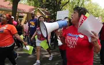 More Than 2,000 Chicago Teachers and Staff Face Layoffs