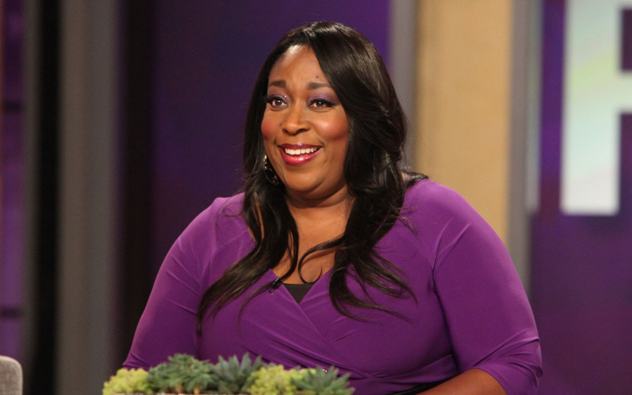 who is loni love