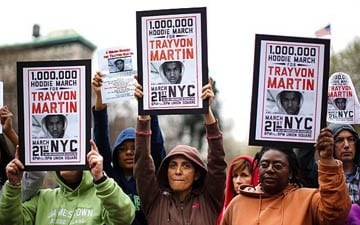 """""""Million Hoodie March"""" Rallies Support for Trayvon Martin"""