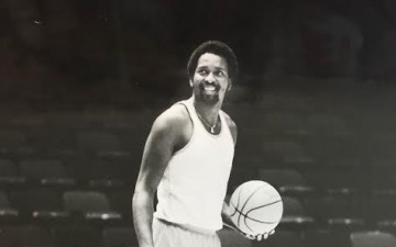 Former NBA Great Moses Malone Dies