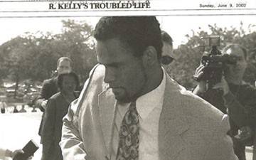 """Read the """"Stomach-Churning"""" Sexual Assault Accusations Against R. Kelly in Full"""