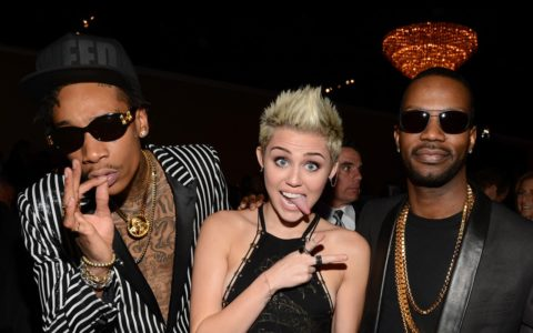 [THE WEEKLY READ] Miley Cyrus