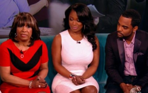 [THIS HAPPENED] Kandi Weds Todd, Mama Joyce Still Drenched In Salt