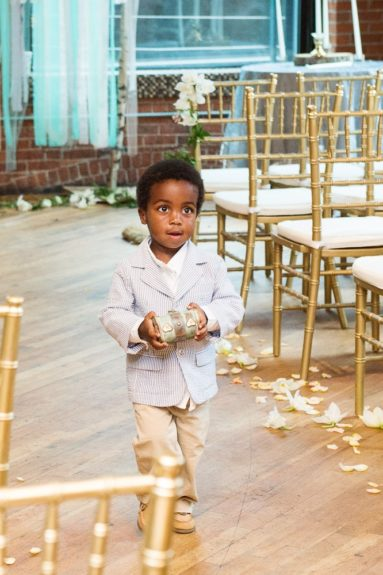 The ring bearer is so adorable, right?