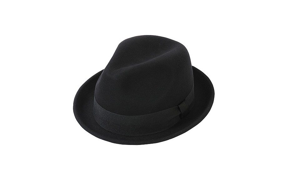 "<a href=""http://www.uniqlo.com/us/store/lifewear/men-wool-felt-hat/079273-18-004?ref=mens-clothing%2Fmens-accessories%2Fmens-hats"" target=""_blank""><strong>Wool Felt Hat</strong></a> ($19.90, available at Uniqlo)"