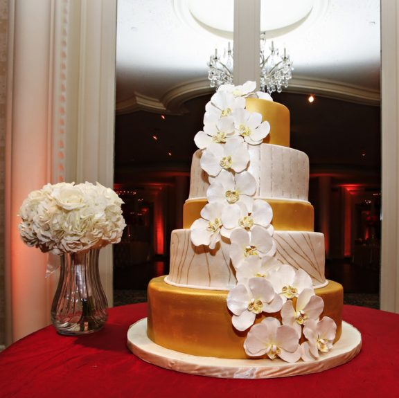 A beautiful tiered cake fit the elegant ceremony perfectly.
