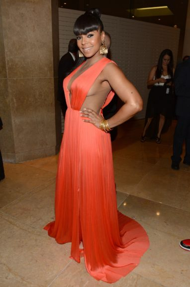 Ashanti, in clear violation of the no-side-boobage rules. Rebel!