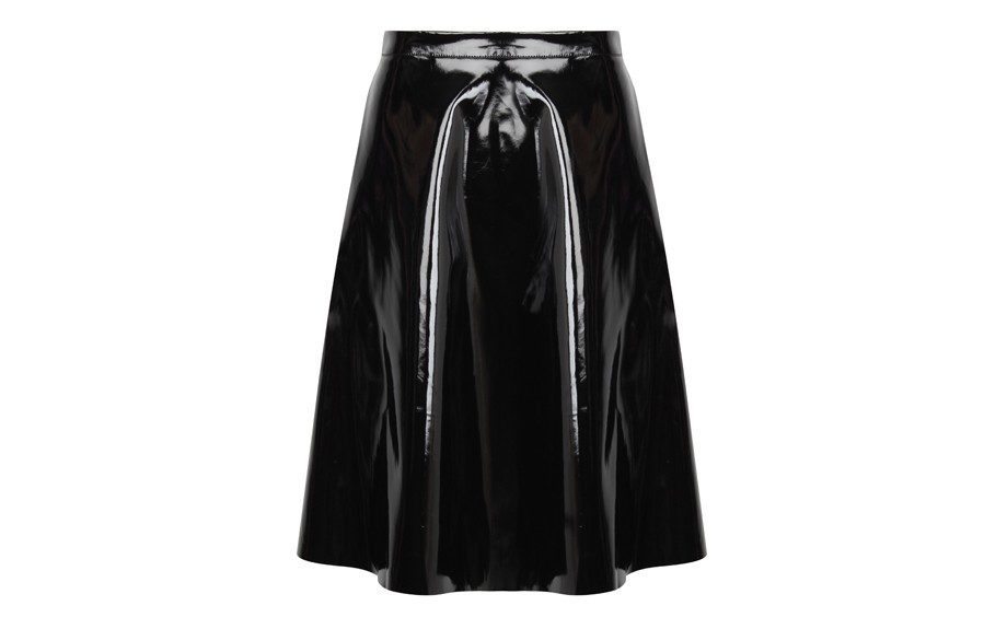 """<strong><a href=""""http://rstyle.me/n/eds8znmdw"""" target=""""_blank"""">MissguidedFull Midi Skirt</a>$36.42</strong>"""