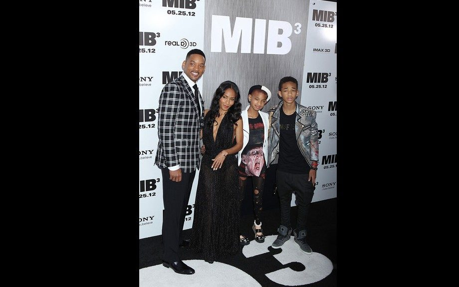 Will Smith and the gang attend the NY <em>Men in Black 3 </em>premiere; Will went back to plaid, Jada continued her stunning gown streak in Bill Blass and Willow and Jaden sported their signature punk-chic style Willow in a Freddy Krueger tee and Jaden in a cool studded biker jacket