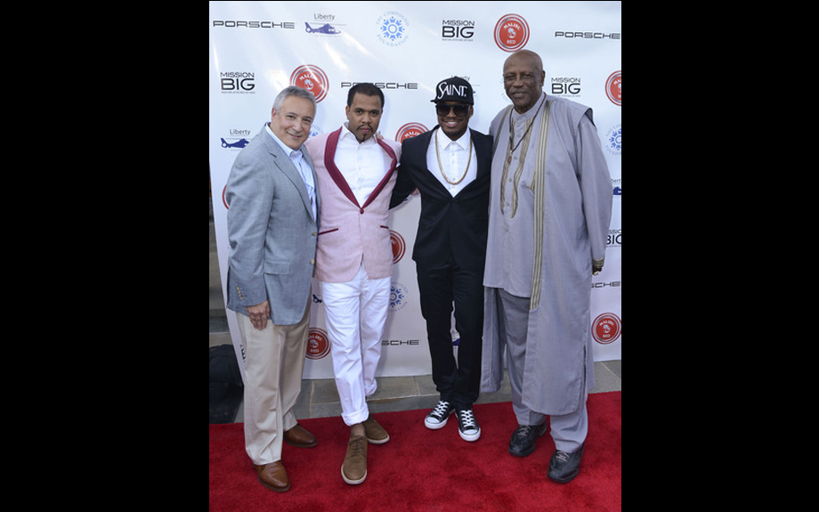 <span><span><span><span>Ne-Yo poses with honorees Stuart C. Snyder, Johnny Nuñez and Louis Gossett, Jr. on the red carpet of the 2nd annual Fostering a Legacy benefit</span></span></span></span>