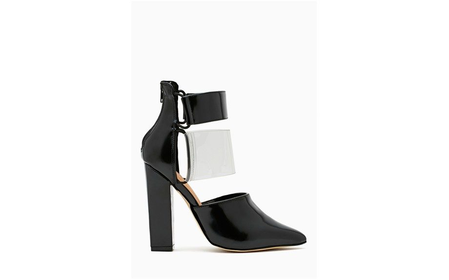 """<strong><a href=""""http://rstyle.me/n/edsu7nmdw"""" target=""""_blank"""">Nasty Gal Shoe Cult Strut Cutout Bootie</a>$120</strong>"""