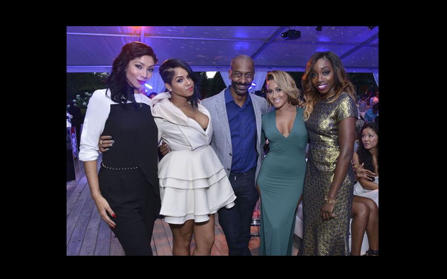 <span><span><span><span>Bridget Kelly, RaVaughn, BET's Stephen Hill, Adrienne Bailon, and Estelle pose for picture during gala</span></span></span></span>