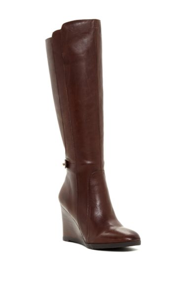 "<font size=""2""><span style=""font-size:10pt;"">This wedge boot provides comfort and high-quality leather construction. Franco Sarto Walker Boots ($99.97; <a href=""https://www.nordstromrack.com/shop/product/1108346?color=OXFD%20BRN&cm_vc=RECOMMENDED"" target=""_blank"">nordstromrack.com</a>)"