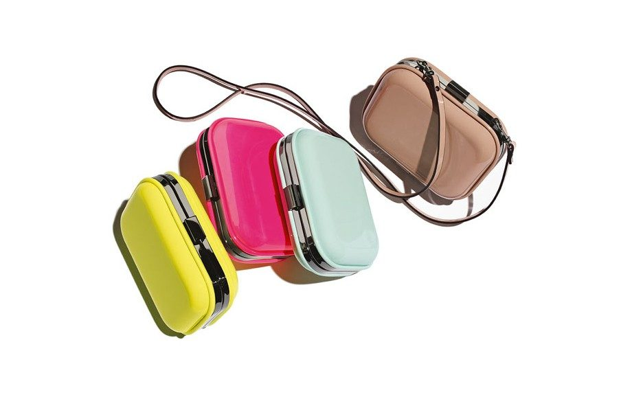 """<strong><a href=""""http://rstyle.me/n/edujrnmdw"""" target=""""_blank"""">Natasha Couture Patent Box Clutch</a>$19.20</strong>"""