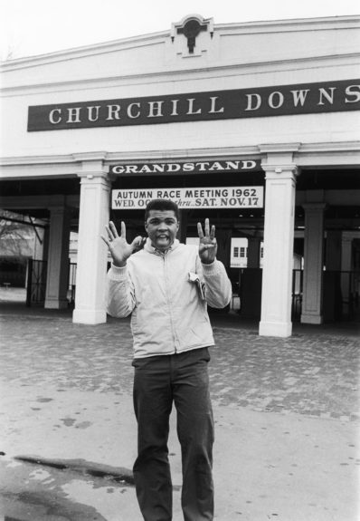 <p> Muhammad Aliin front of Louisville's Churchill Downs, site of the famed Kentucky Derby, in 1963 (Moneta Sleet, Jr./Ebony Collection)</p>