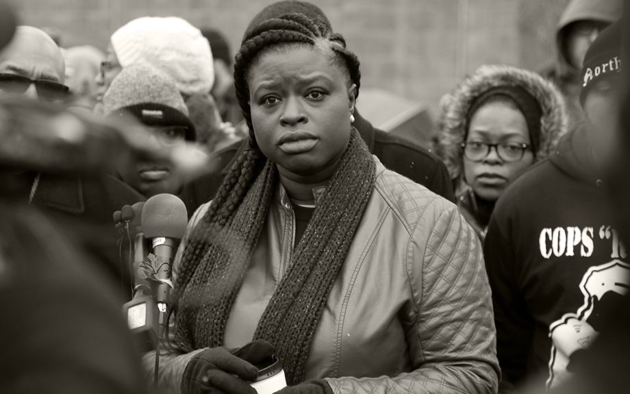 <p> 	MINNEAPOLIS: Nekima Levy-Pounds, center, president of the Minneapolis chapter of the NAACP, renewed demands for investigators to release videos of the fatal shooting by Minneapolis police of Jamar Clark, an unarmed black man Nov. 19, 2015, in Minneapolis. (AP Photo/Jim Mone)</p>