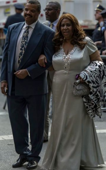 Queen of Soul Aretha Franklin also attended Obama's fundraiser. She sported a silver gown adorning stones around the collar and bust