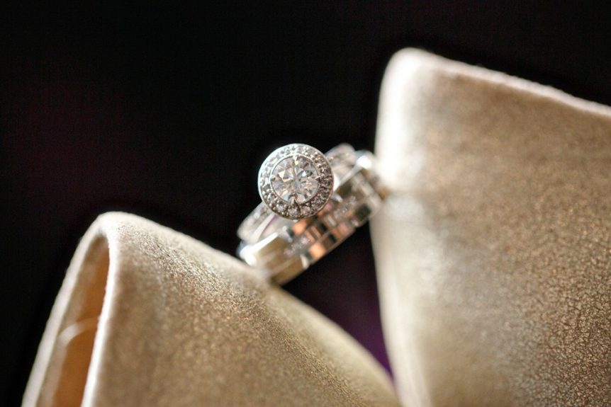 Well, who wouldn't say yes to this ring?