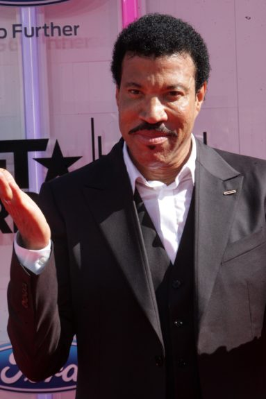 Lionel Ritchie makes an appearance at the 2014 BET Awards. Photo: Terrence C. Jennings