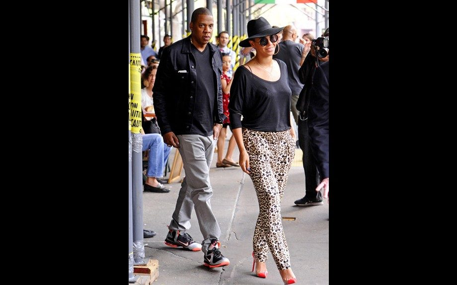 Jay and Bey are off on the right foot both keeping it dark up top and colorful down below. Jay steps out in Nike while Bey is in those Christian Louboutin Un Bouts the stars love
