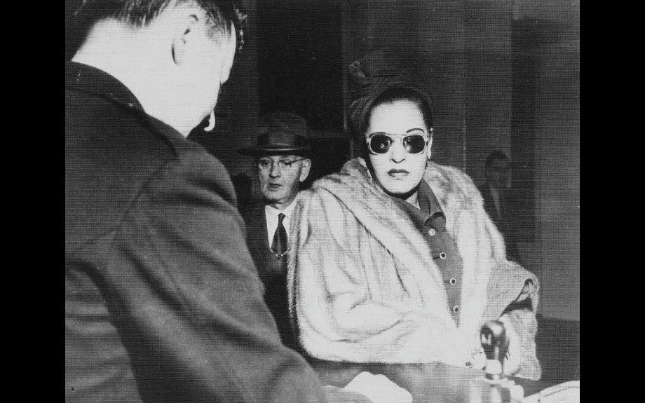 Billie Holiday arrives at the court of justice in 1949.