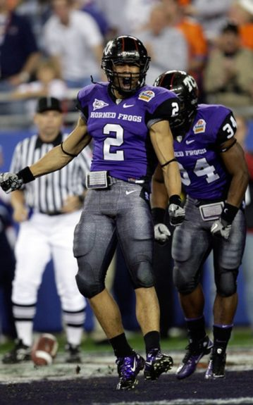 2010 Tostitos Fiesta Bowl in Arizona against Boise State. Curtis celebrating a touchdown!