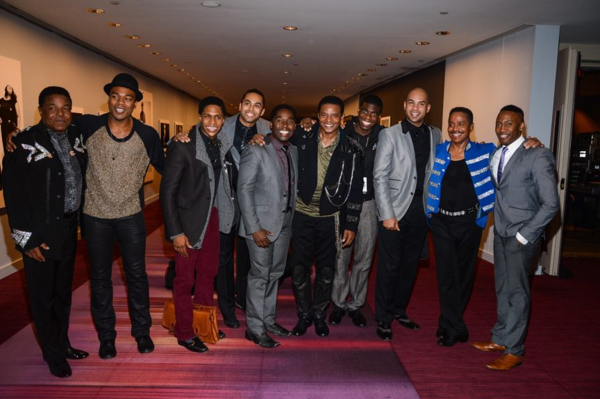 The Jacksons mix with the cast of <em>Motown: The Musical</em>.