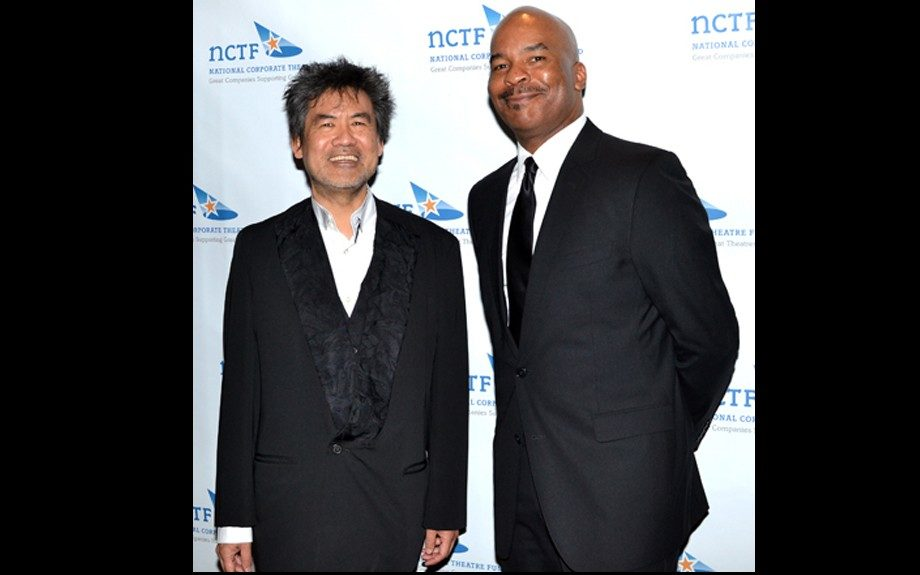 David Alan Grier did himself justice in a clean, black suit with a sleek, satin black tie.
