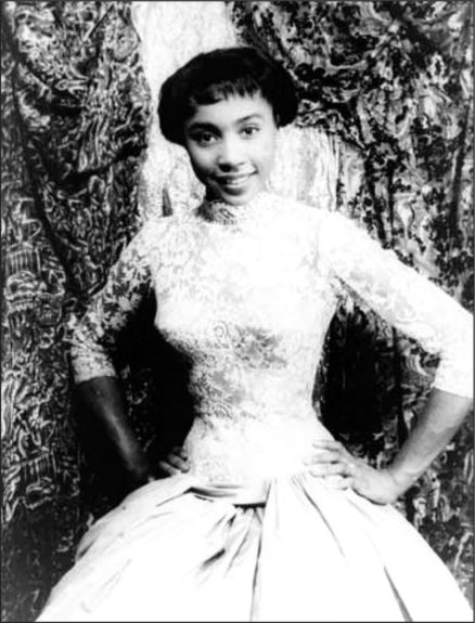 Guess who? None other than Diahann Carroll proud student at the Grace Del Marco agency