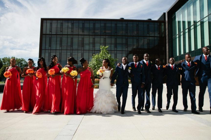 The full wedding party looks amazing together