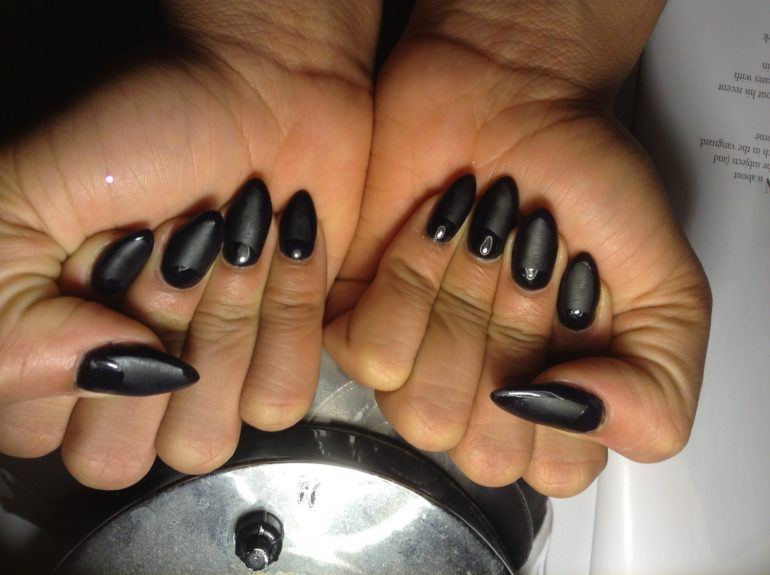 Matte top coats are offered at the Bed of Nails salon... super trendy