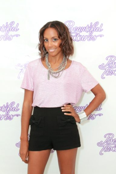 Tia Williams was given beachy waves by stylist Derek Scurry, using products by Beautiful Textures!