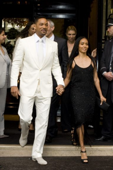 Will Smith and Jada Pinkett Smith leave their hotel to go to the premiere of the first 'Men in Black 3' Premiere.