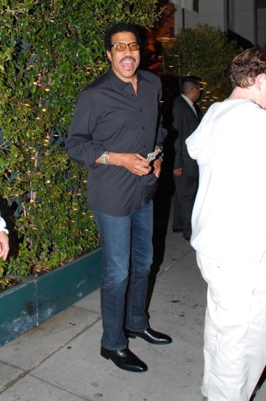 Lionel Richie is photographed at valet after having dinner at Mr. Chow's Restaurant in Los Angeles, California.