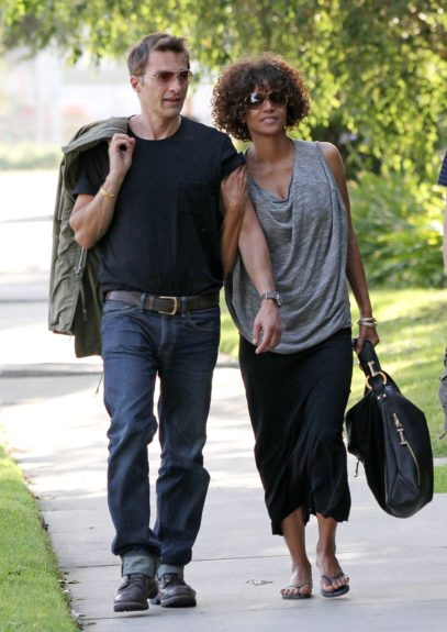 Halle Berry and fiance Olivier Martinez visit a friend in Northridge, California.
