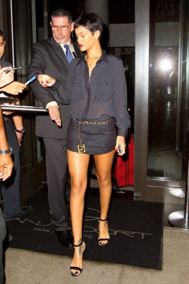 Rihanna leaves her New York hotel just thirty minutes after Chris Brown.