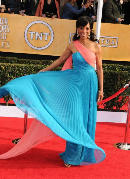 Shaun Robinson attending the 19th Annual Screen Actors Guild Awards held at The Shrine Auditorium in Los Angeles, California.