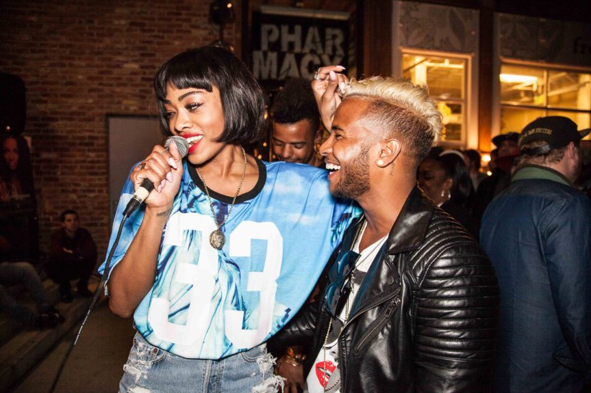 A lucky fan gets cozy with Maad*Moiselle