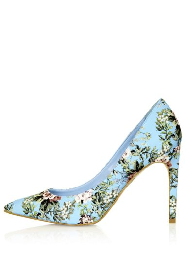 "Step to brunch in these chic <a href=""http://us.topshop.com/en/tsus/product/shoes-70484/heels-70512/glory-floral-print-high-shoes-2919857?geoip=noredirect&network=linkshare&utm_source=linkshare&utm_medium=affiliate&utm_campaign=Hy3bqNL2jtQ&siteID=Hy3bqNL2jtQ-WeGH6HNJYzzn_rJy"