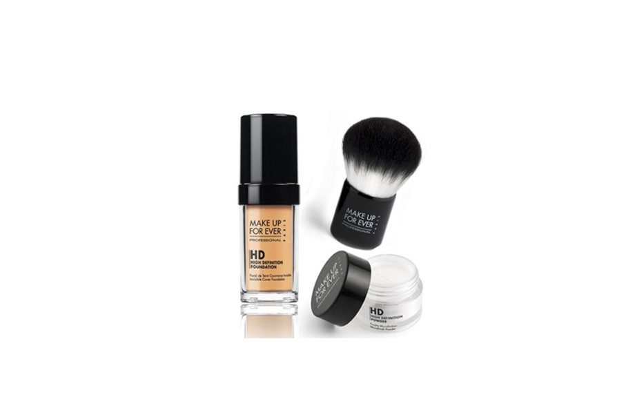 Minimum shine, maximum coverage is the name of the game with this must-have and Mom will certainly oblige. Makeup Forever HD Complexion Starter Kit, $79 at sephora.com
